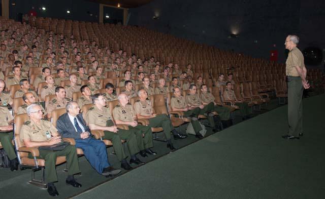 EME realiza Estágio de Preparação de Comandantes, Chefes e Diretores de Organizações Militares