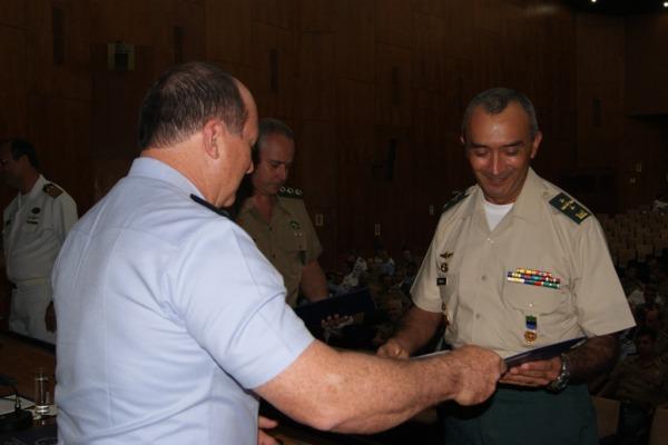 Escola Superior de Guerra forma 165 militares e civis na área de defesa