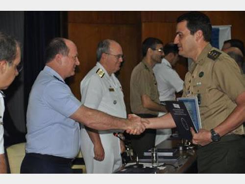 Escola de Guerra Naval promove encerramento do Curso Superior de Defesa de 2014