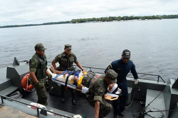 Forças Armadas simulam procedimento de evacuação aeromédica durante Operação Amazônia