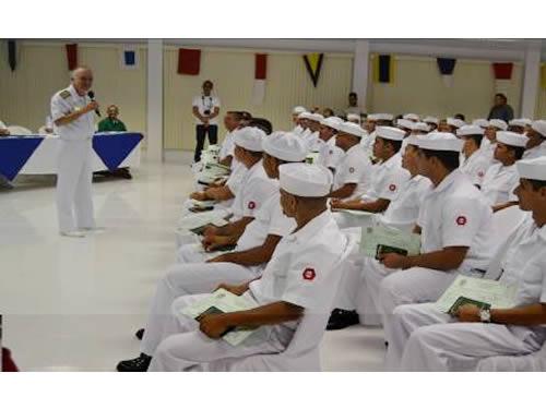 Marinha do Brasil forma primeira turma de Condutores Maquinistas Fluviais no Amazonas