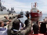 "Familiares se despedem dos militares que suspenderam no Navio ""Ary Rongel"""