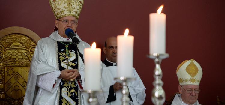 Novo arcebispo do Ordinariado Militar toma posse e celebra sua primeira missa