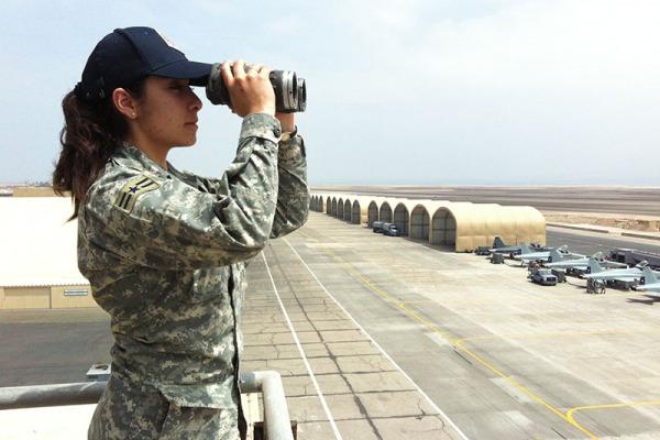 Presença feminina em todas as forças aéreas