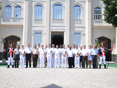 Adidos militares estrangeiros visitam Organizações Militares do Corpo de Fuzileiros Navais