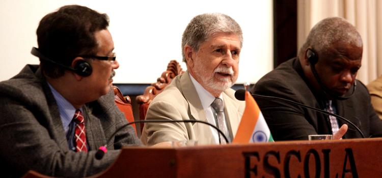 Amorim defende maior cooperação em Defesa entre Brasil, Índia e África do Sul