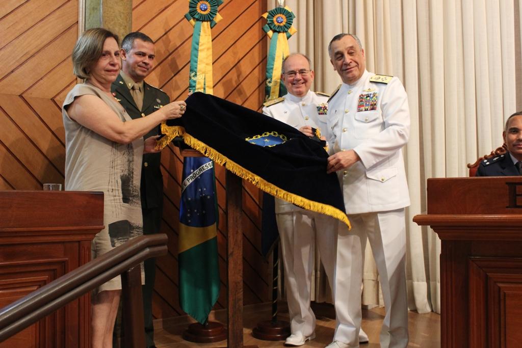 Comandante da Marinha Preside Solenidade de Encerramento do CEMC