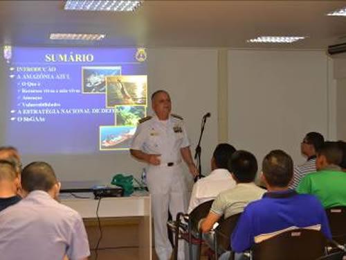 "Comandante do 9º Distrito Naval ministra palestra sobre a ""Amazônia Azul"""