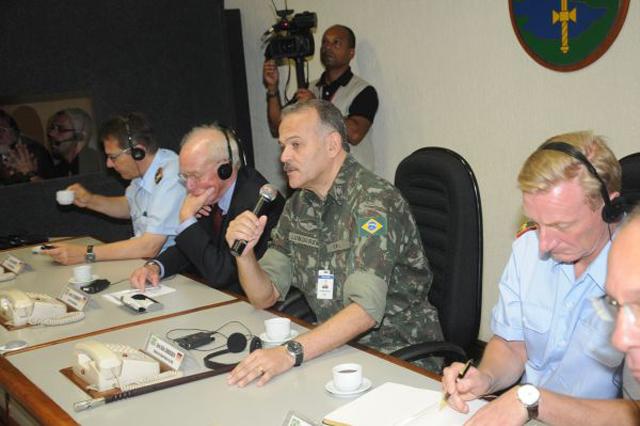 Curso do Ministerio Federal da Defesa da Alemanha visita o CML 4