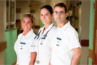FAB abre processo seletivo para médicos, farmacêuticos e dentistas