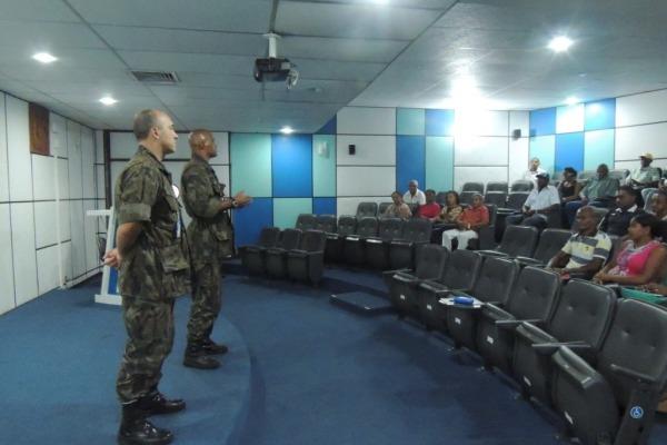Lideranças comunitárias se reúnem no Centro de Lançamento de Alcântara