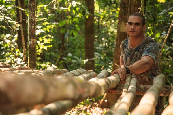 Militares aprendem técnicas de sobrevivência na selva
