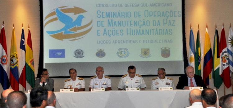 Militares da Unasul participam de seminário sobre operações de paz promovido Marinha