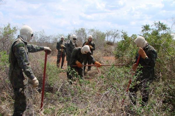 Militares e civis participam de curso 3