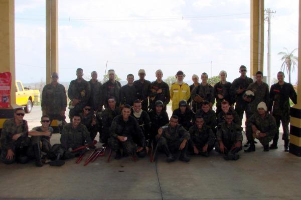 Militares e civis participam de curso 4