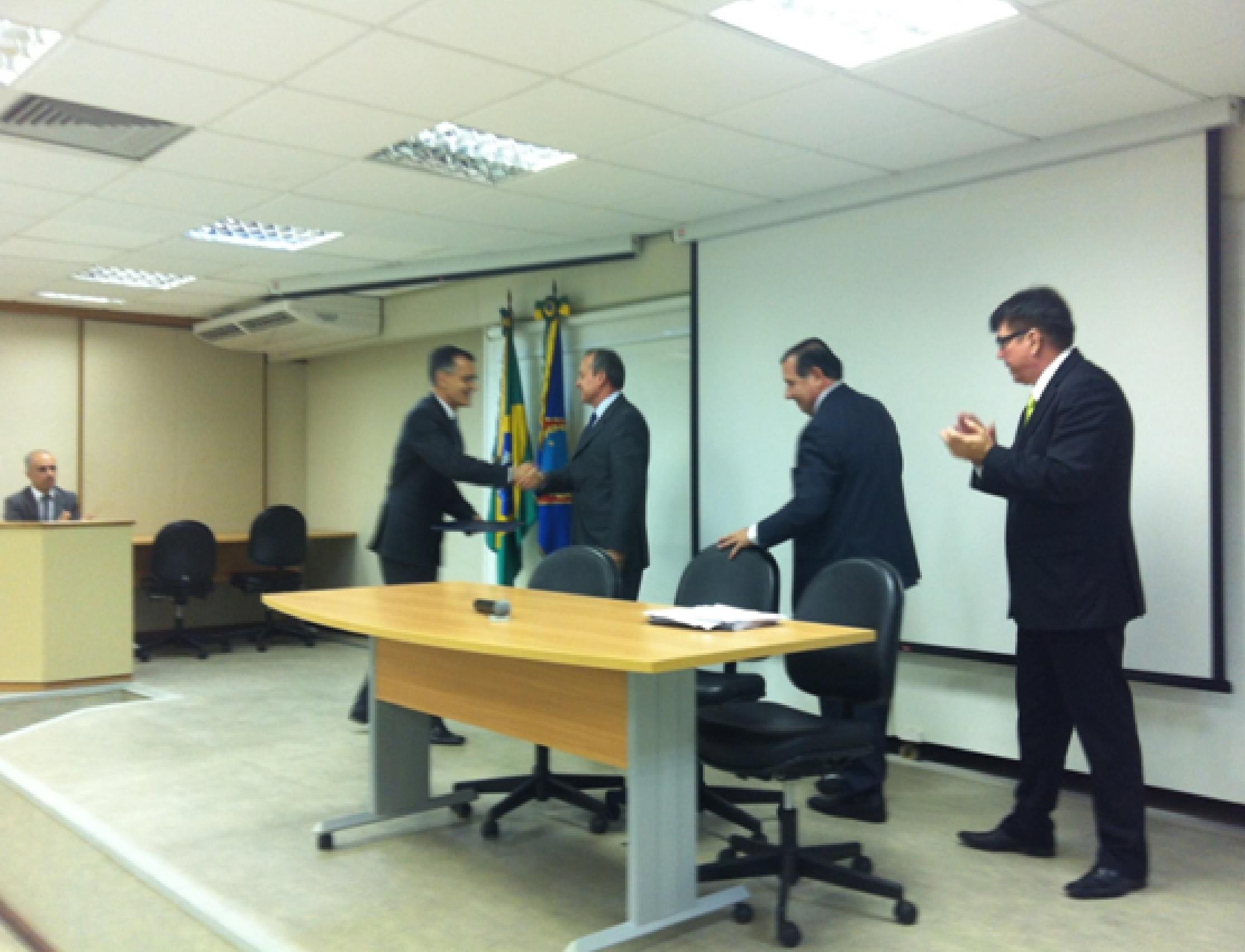 Pesquisa Conjunta da ANEPE e ESG 5