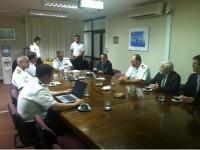 Alte Esq Fernandes e demais autoridades em reunião