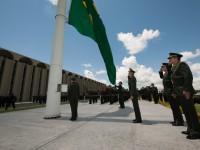 Solenidade em homenagem ao Dia da Bandeira no QGEx 4