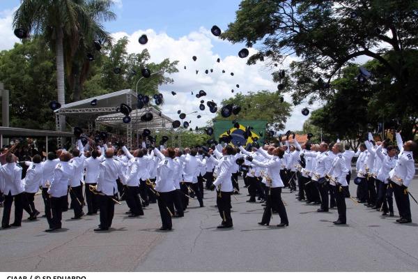 Centro de Instrução e Adaptação da Aeronáutica forma 189 novos oficiais da FAB