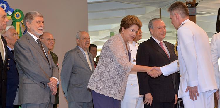 Em almoço com oficiais generais, presidenta Dilma destaca que defesa e desenvolvimento caminham juntos