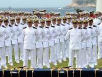 A cerimônia na Escola Naval, no Rio, marcou a formatura de 181 guardas-marinha