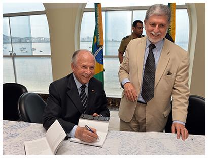 Escola Superior de Guerra lança livro em homenagem ao diplomata San Tiago Dantas