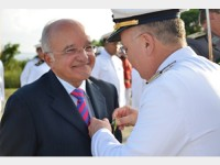 Entrega da medalha Mérito Tamandaré ao Governador José Melo