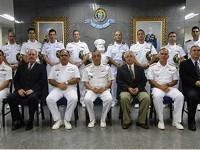 Almirante–de-Esquadra Moura Neto e Oficiais da área do 8°DN