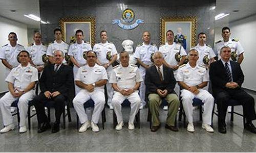 Comandante da Marinha é homenageado no Comando do 8° Distrito Naval