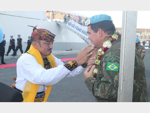 Comandante da Força-Tarefa Marítima da UNIFIL preside cerimônia na Indonésia