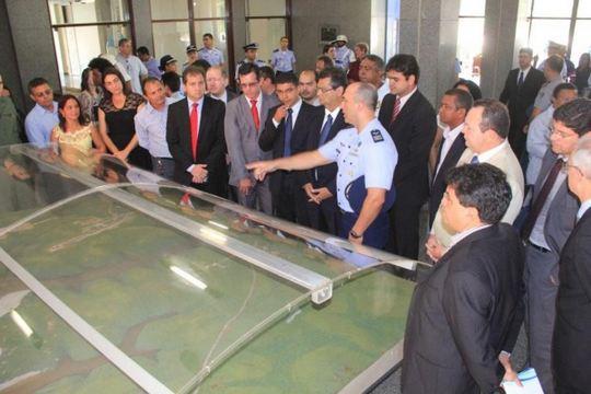 Governador do Maranhão conhece Centro de Lançamento de Alcântara