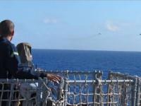 Aspirante observa a demonstração das aeronaves AF-1