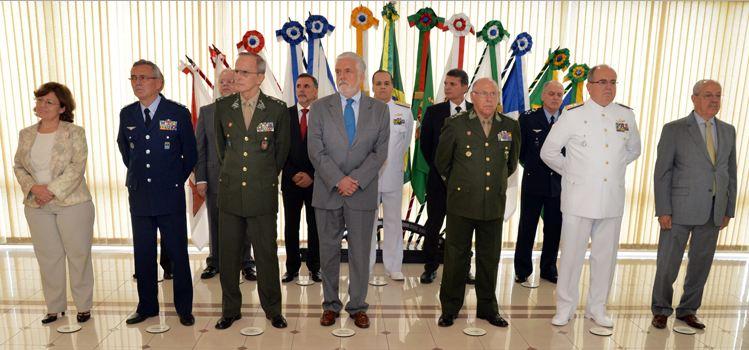 Ministro Jaques Wagner dá posse à nova secretária-geral