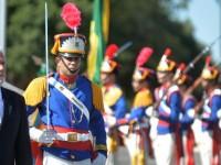 Ministro Jaques Wagner foi recebido com honras militares no Quartel General do Exército Brasileiro