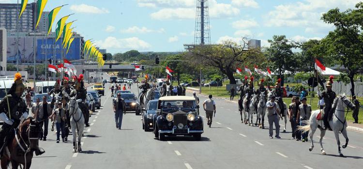 Quatro mil militares participam da posse presidencial na Esplanada dos Ministérios