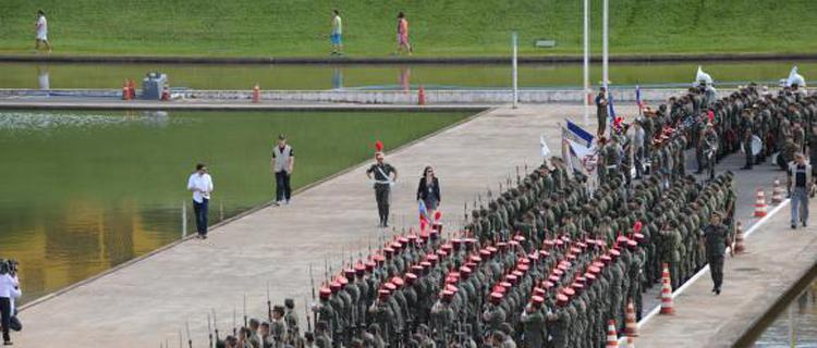 O tradicional cerimonial militar prestará honras à presidenta da República