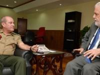 Presidente da Autoridade Pública Olímpica (APO), general Fernando Azevedo e Silva, visita o ministro Jaques Wagner