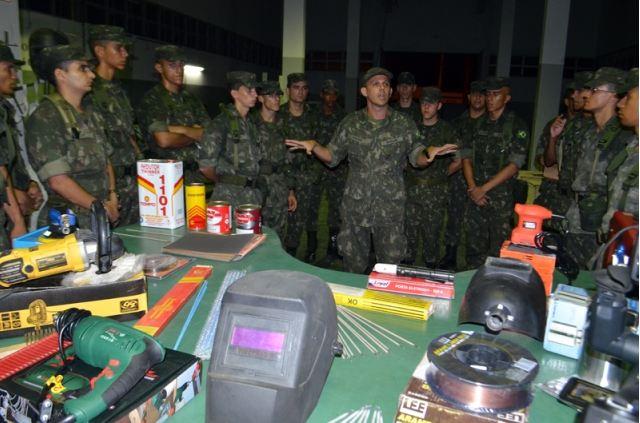 Operação na Escola de Sargentos de Logística