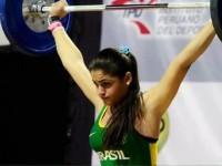 Competidora Jéssica Muniz em treinamento no CEFAN