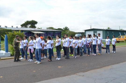Organização da FAB realiza projeto com estudantes