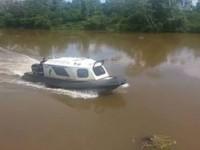 Lancha Hidrográfica realizando sondagem no Rio Piquiri