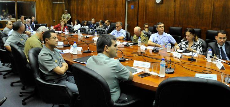 Ministro da Defesa conhece ações do Brasil em missões de paz da ONU