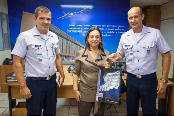 """""""Projetos das Forças Armadas são exemplos para o Brasil"""", diz assessora da Defesa"""