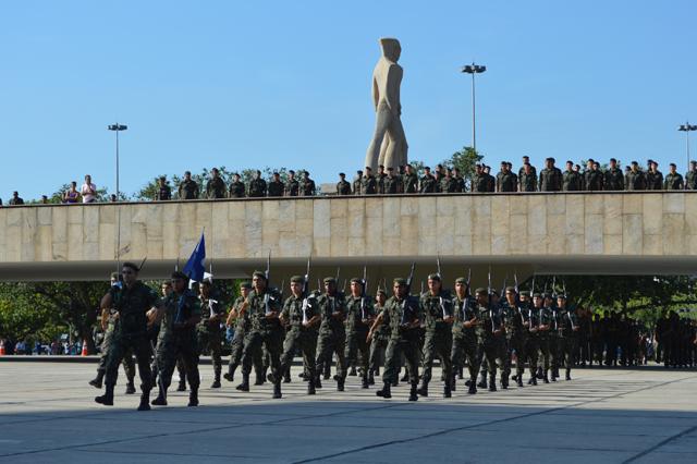 Homenagem aos 70 anos da Tomada de Monte Castelo no Monumento Nacional aos Mortos da Segunda Guerra Mundial