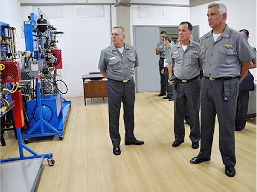 Diretor-Geral do Pessoal da Marinha visita Centro de Instrução Almirante Alexandrino