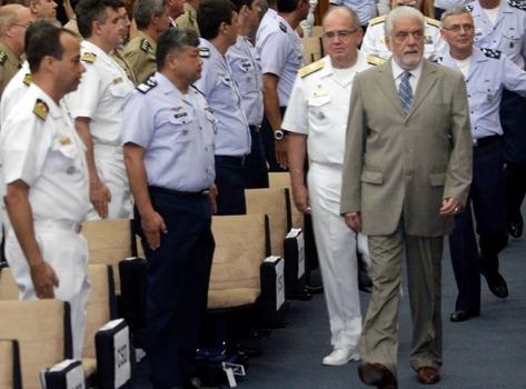 """""""Fortalecimento da interoperabilidade de nossas forças é crucial"""", diz ministro"""
