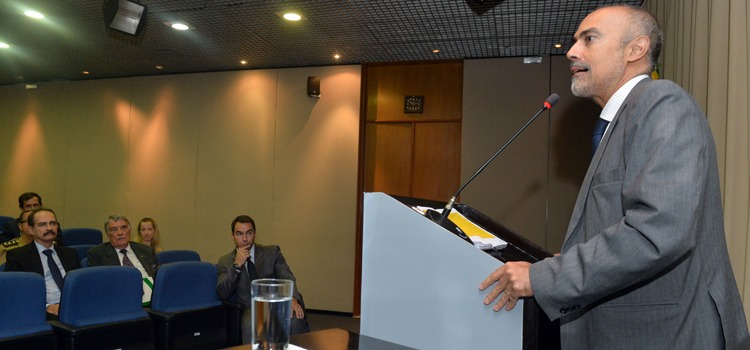 Ministério da Defesa vai incentivar pesquisas acadêmicas
