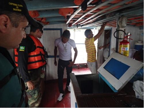 """Capitania Fluvial de Tabatinga apreende três toneladas de óleo combustível ilegal na Operação """"Amazônia Azul"""""""