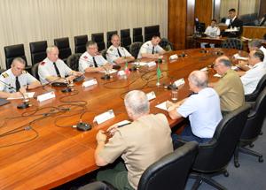 Chefe do Estado-Maior das FFAA de Portugal conhece estrutura da Defesa