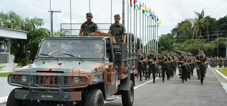 Wagner enaltece trabalho dos militares que protegem as fronteiras na Amazônia